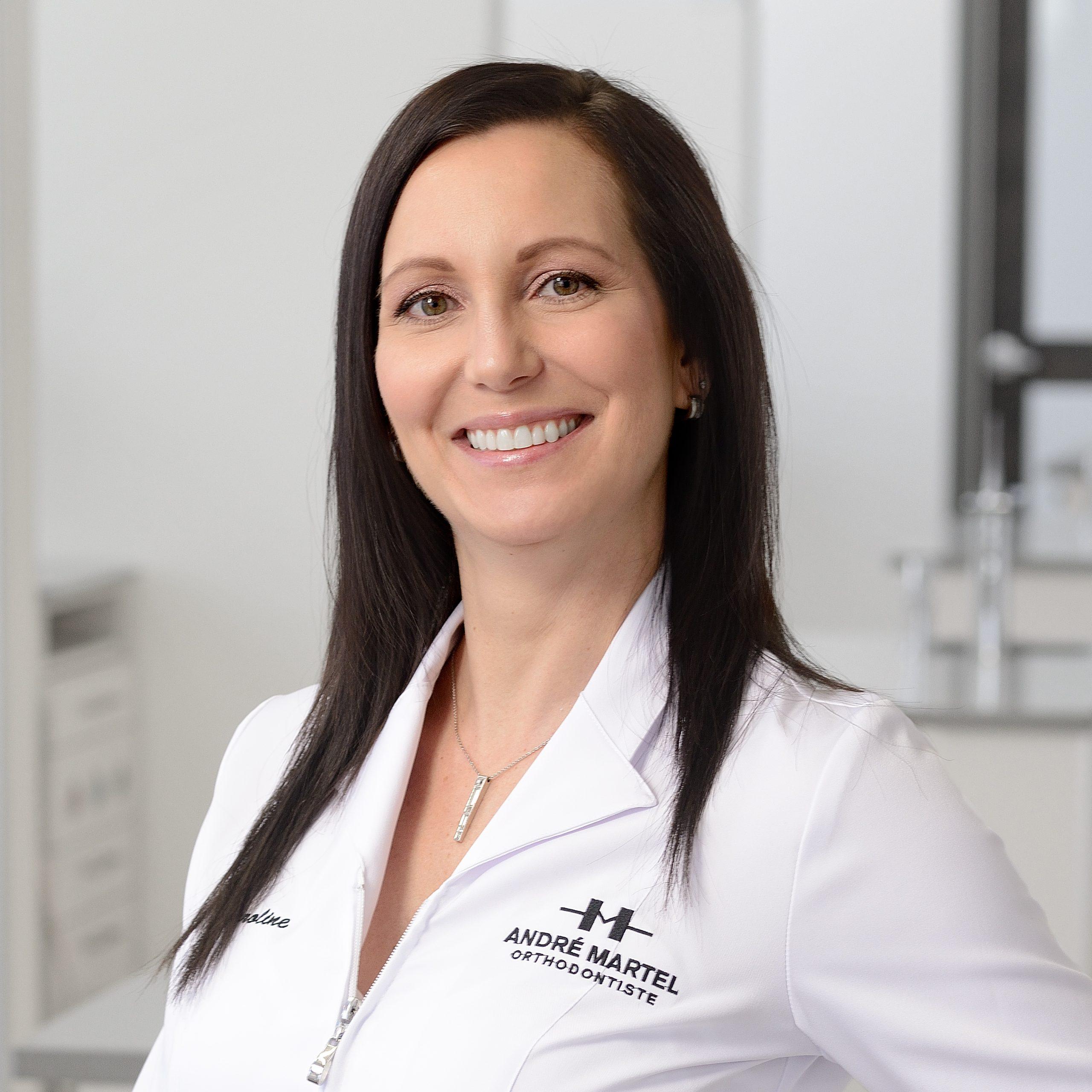 Caroline Bonneau, Hygiéniste dentaire