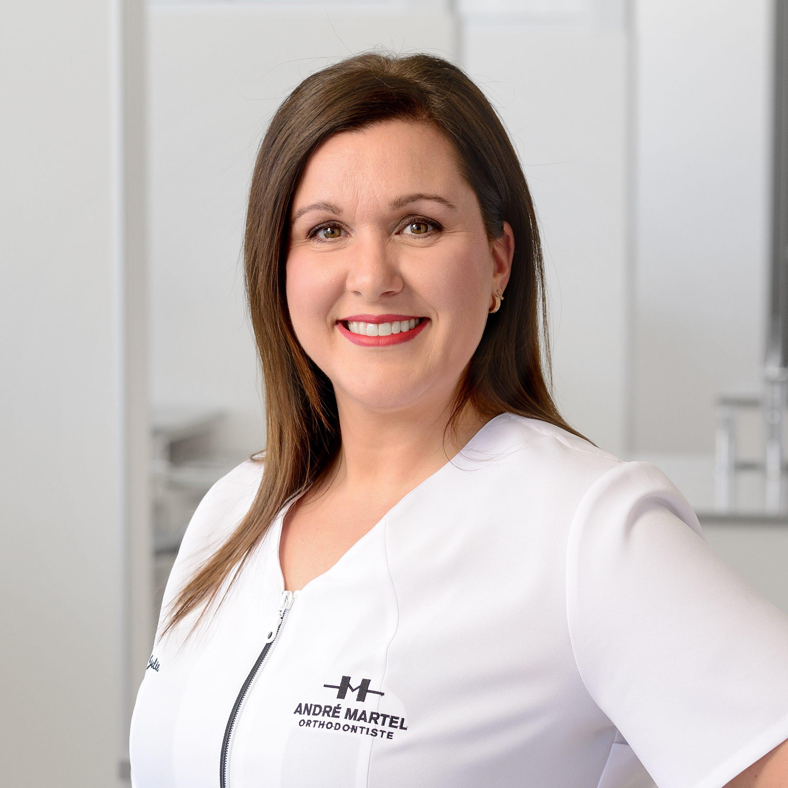 Julie Turmel, Hygiéniste dentaire